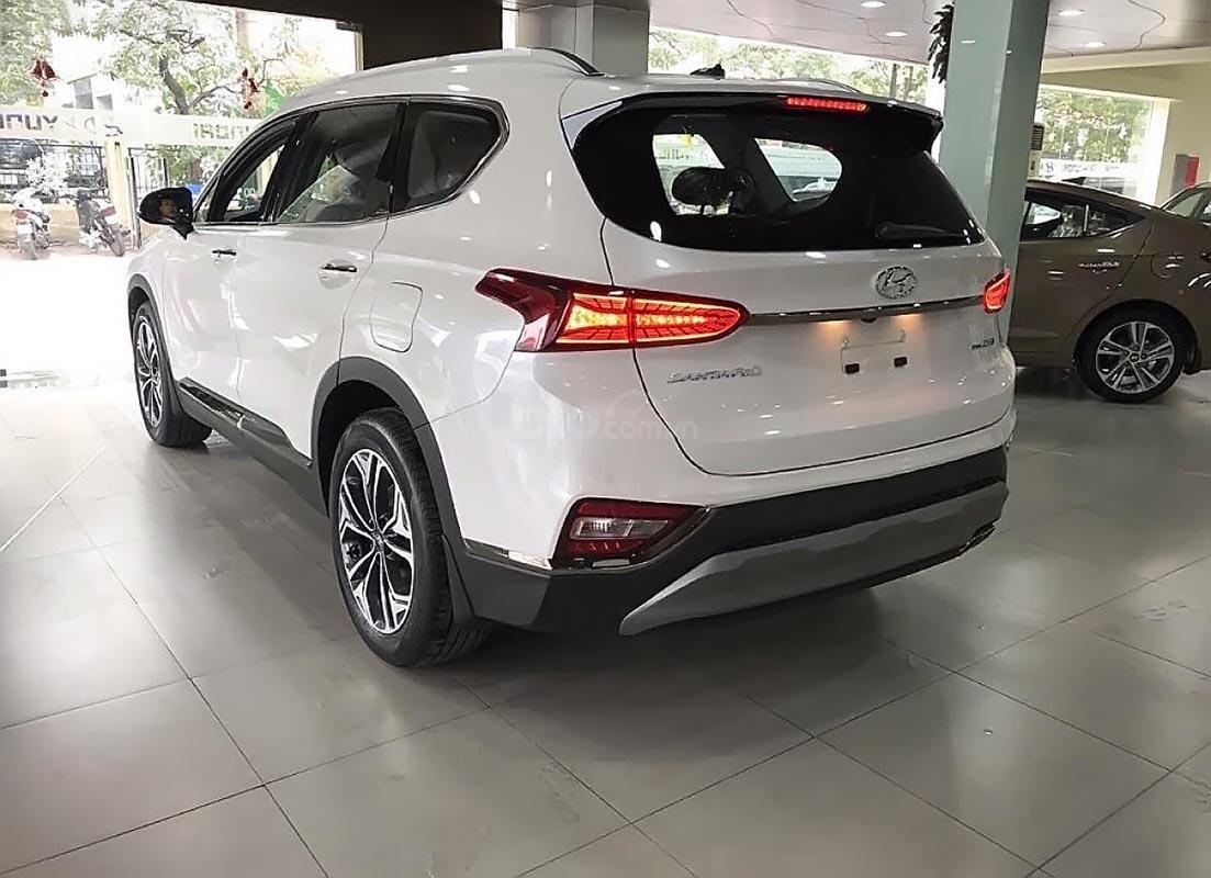 Bán xe Hyundai Santa Fe 2.2L HTRAC năm sản xuất 2019, màu trắng-1
