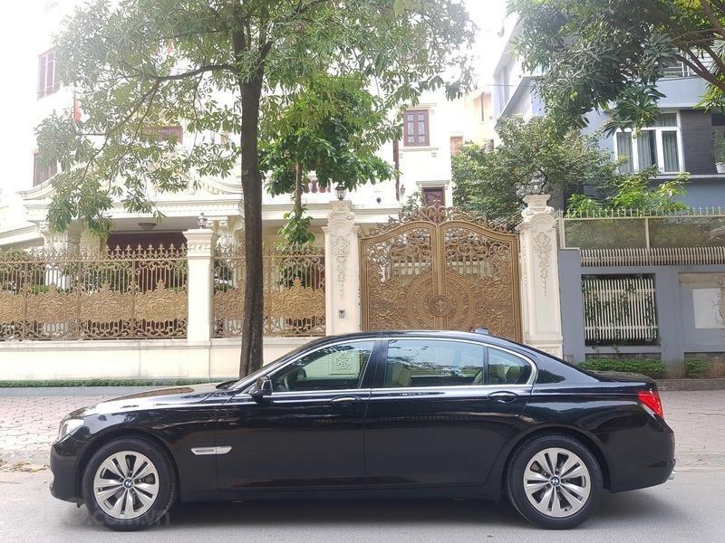 Cần bán gấp BMW 7 Series 730i sản xuất năm 2011, màu đen, xe nhập như mới-0