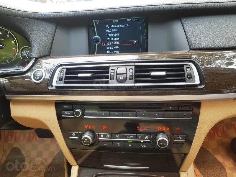 Cần bán gấp BMW 7 Series 730i sản xuất năm 2011, màu đen, xe nhập như mới-8