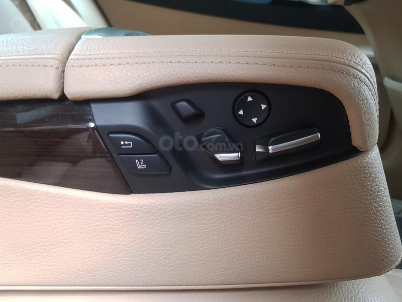 Cần bán gấp BMW 7 Series 730i sản xuất năm 2011, màu đen, xe nhập như mới-9