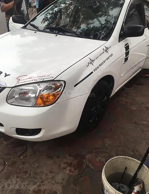 Cần bán Kia Cerato năm sản xuất 2008, màu trắng, xe bảo dưỡng định kì, đăng kiểm 01/2020-0