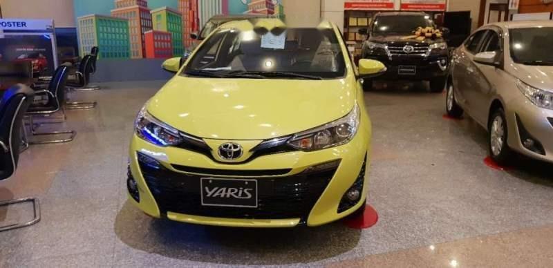 Bán xe Toyota Yaris sản xuất năm 2018, màu vàng chanh, xe nhập (1)