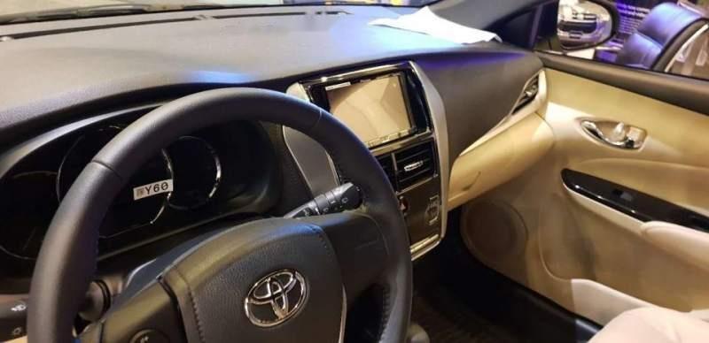 Bán xe Toyota Yaris sản xuất năm 2018, màu vàng chanh, xe nhập (4)