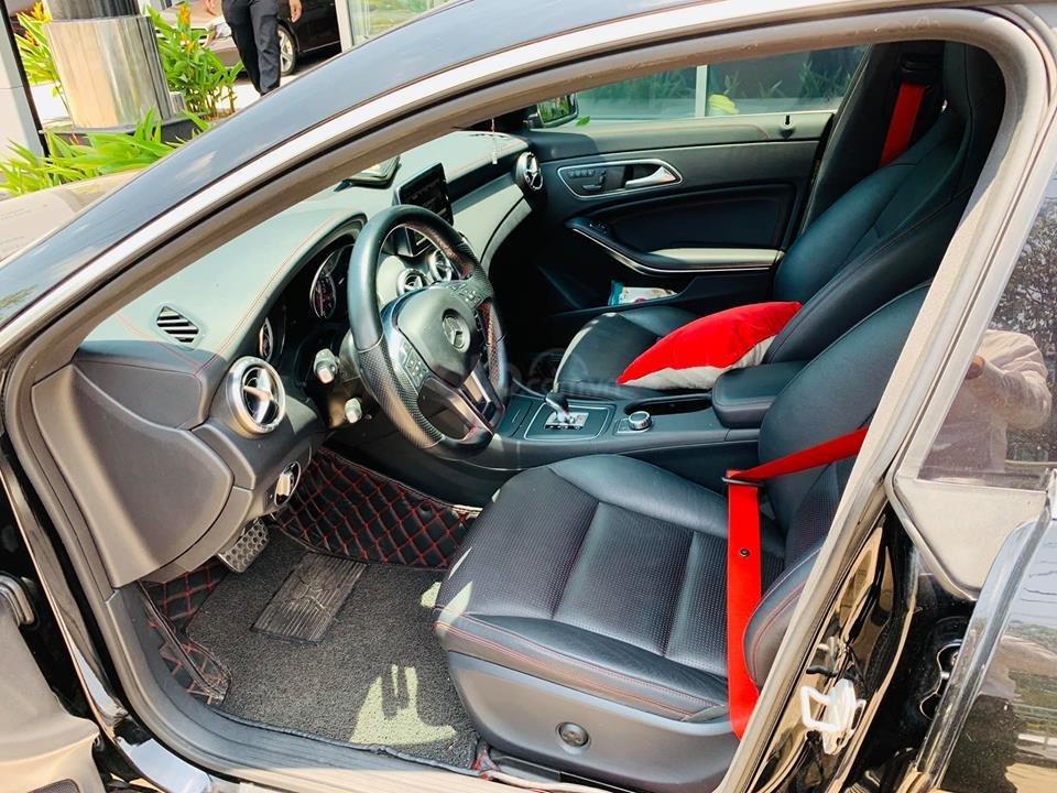 Bán xe Mercedes CLA45 đen nội thất đen 2014 chính hãng, trả trước 450 triệu nhận xe ngay (10)