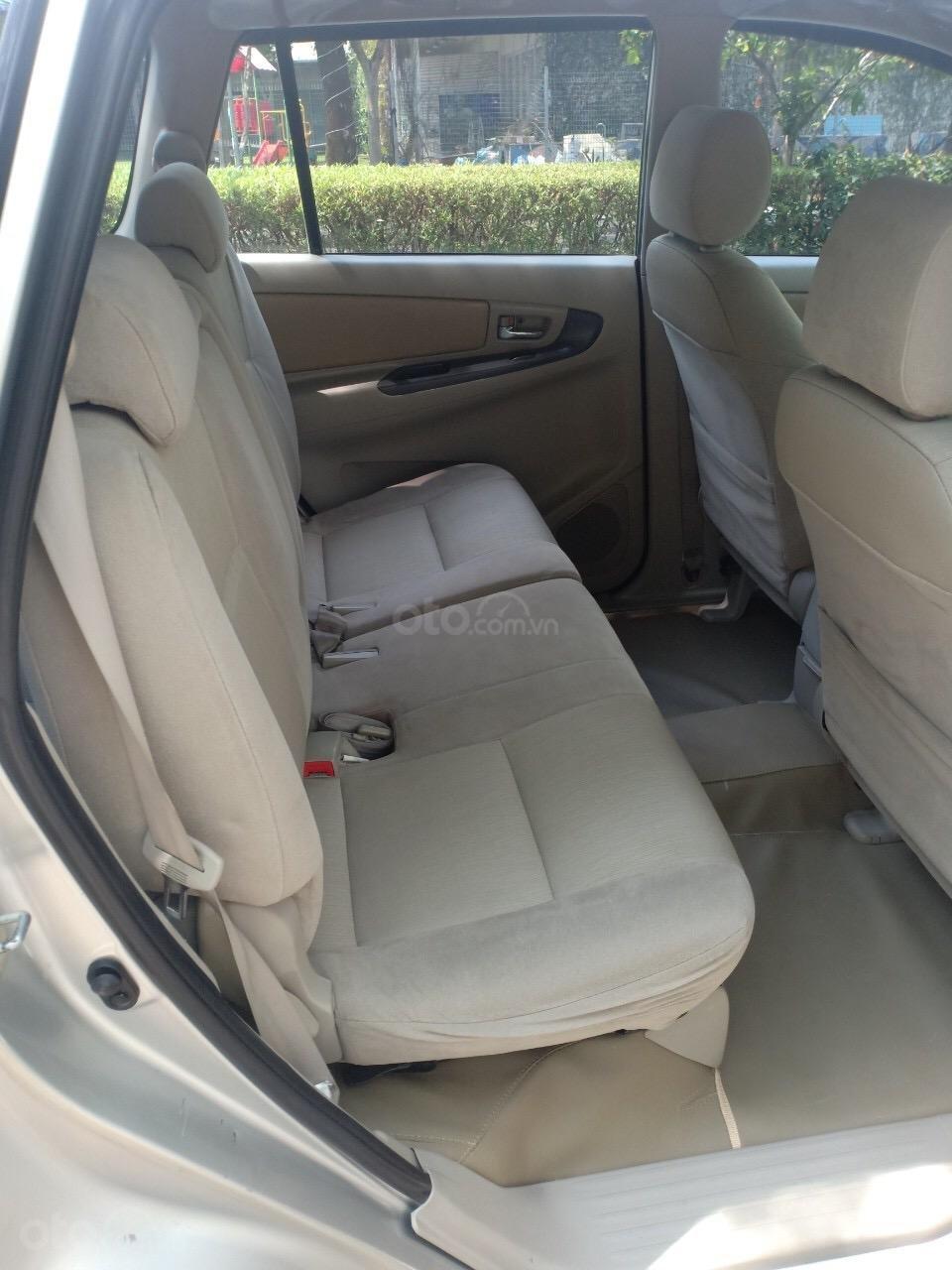 Bán xe Toyota Innova 2.0E sản xuất 2015, xe gia đình cần bán 540 triệu-5