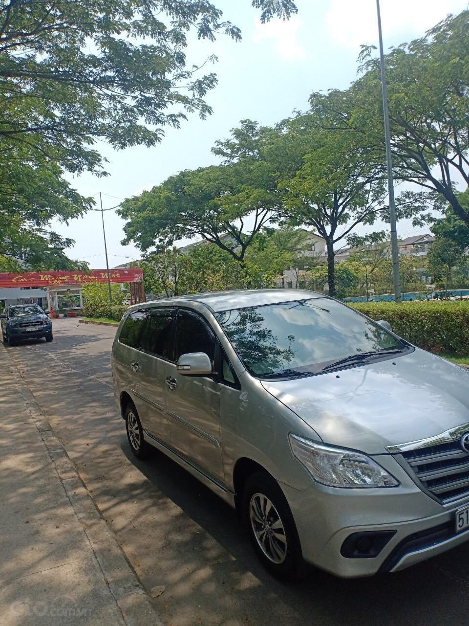 Bán xe Toyota Innova 2.0E sản xuất 2015, xe gia đình cần bán 540 triệu-2