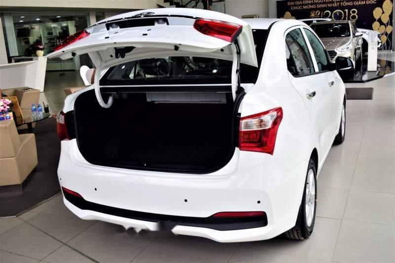 Bán Hyundai Grand i10 năm 2019, màu trắng, giá tốt (4)