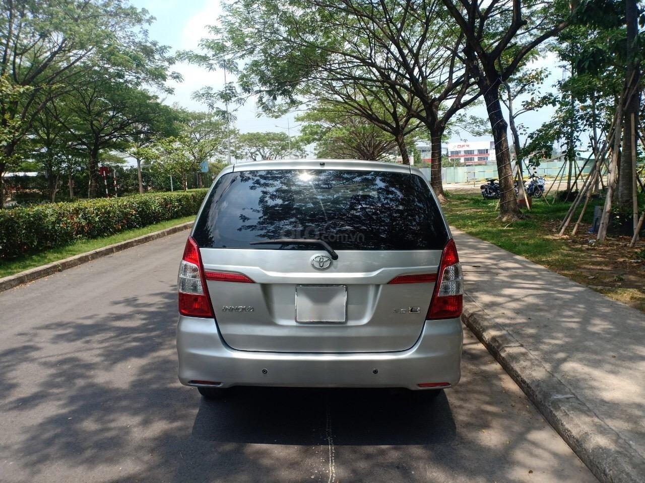Bán xe Toyota Innova 2.0E sản xuất 2015, xe gia đình cần bán 540 triệu-3