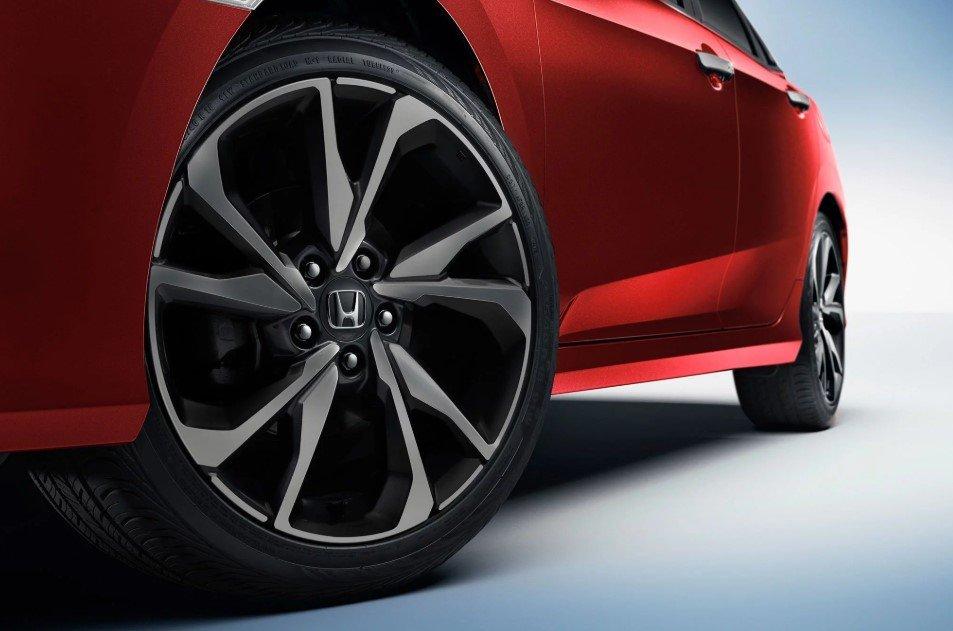 Đánh giá xe Honda Civic 1.5 RS 2019 về thiết kế thân xe: Mâm xe.