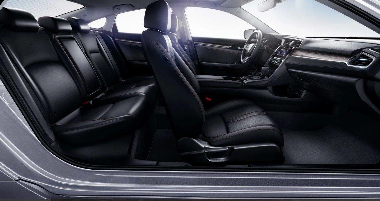 Đánh giá xe Honda Civic 1.5 RS 2019 về thiết kế ghế ngồi.