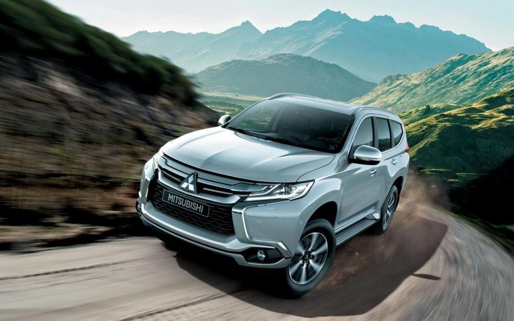Giá xe Mitsubishi Pajero Sport 2018 hiện tại là bao nhiều?