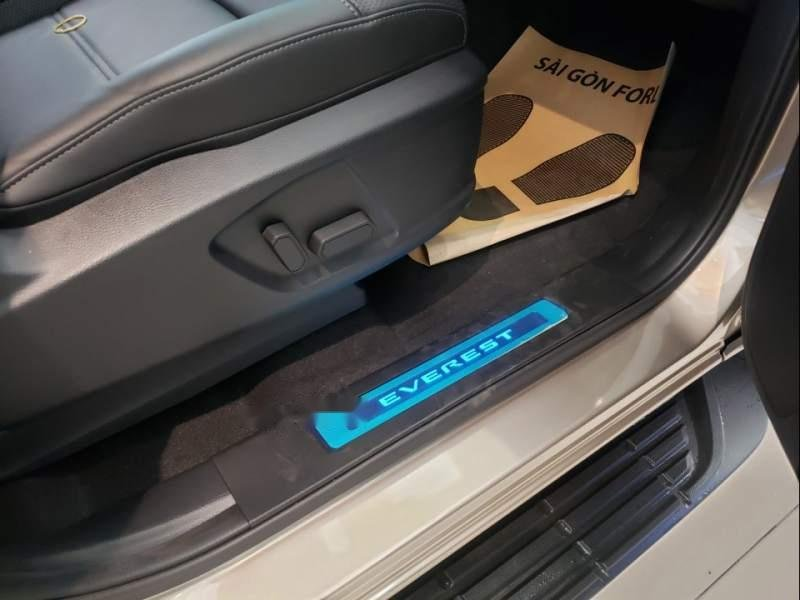 Bán Ford Everest Titanium đời 2019, xe nhập, xe giá thấp, giao nhanh (6)