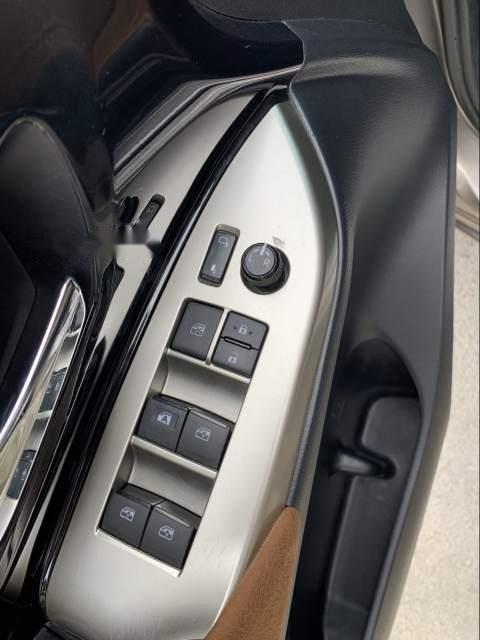 Bán Toyota Innova đời 2016, xe chính chủ còn mới, giá ưu đãi (2)