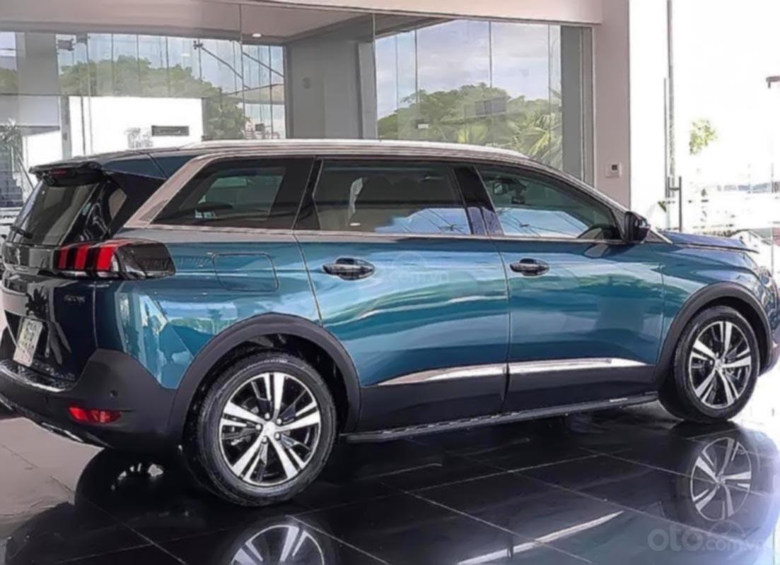 Bán Peugeot 5008 1.6 AT đời 2019, màu xanh lam-0