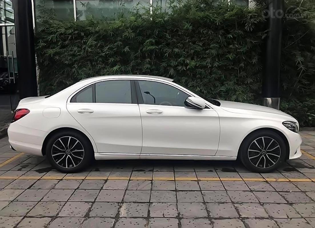 Bán xe Mercedes C200 2019, màu trắng-1