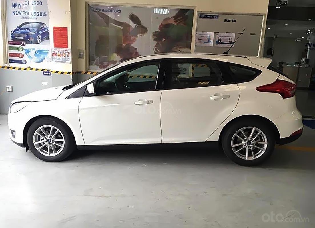 Cần bán xe Ford Focus Trend 1.5L sản xuất năm 2019, màu trắng, giá chỉ 550 triệu-0