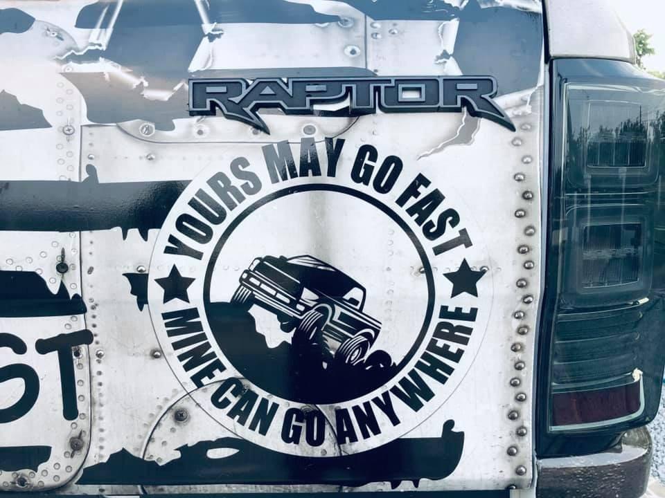 """Ford Ranger Raptor """"thay áo"""" thành chiến đấu cơ """"chất lừ""""4a"""