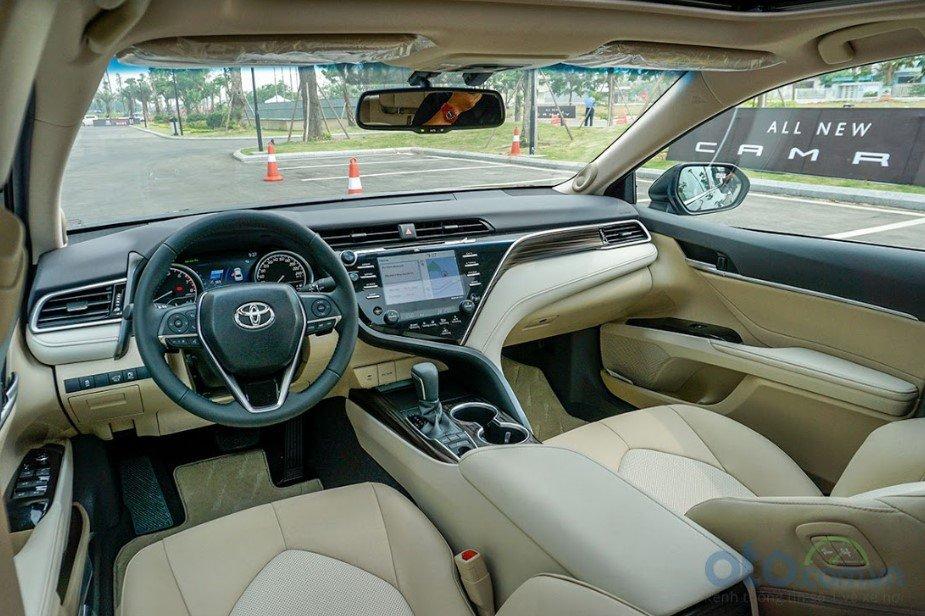 Loạt nâng cấp mới trên Toyota Camry mới nhất 2019 - Ảnh 1.