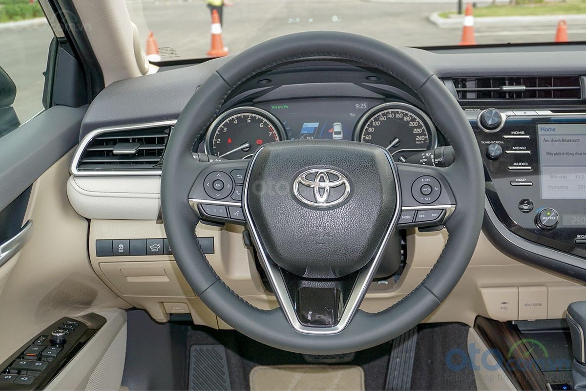 Toyota Camry 2019 chính thức ra mắt, vẫn chưa có giá niêm yết A5