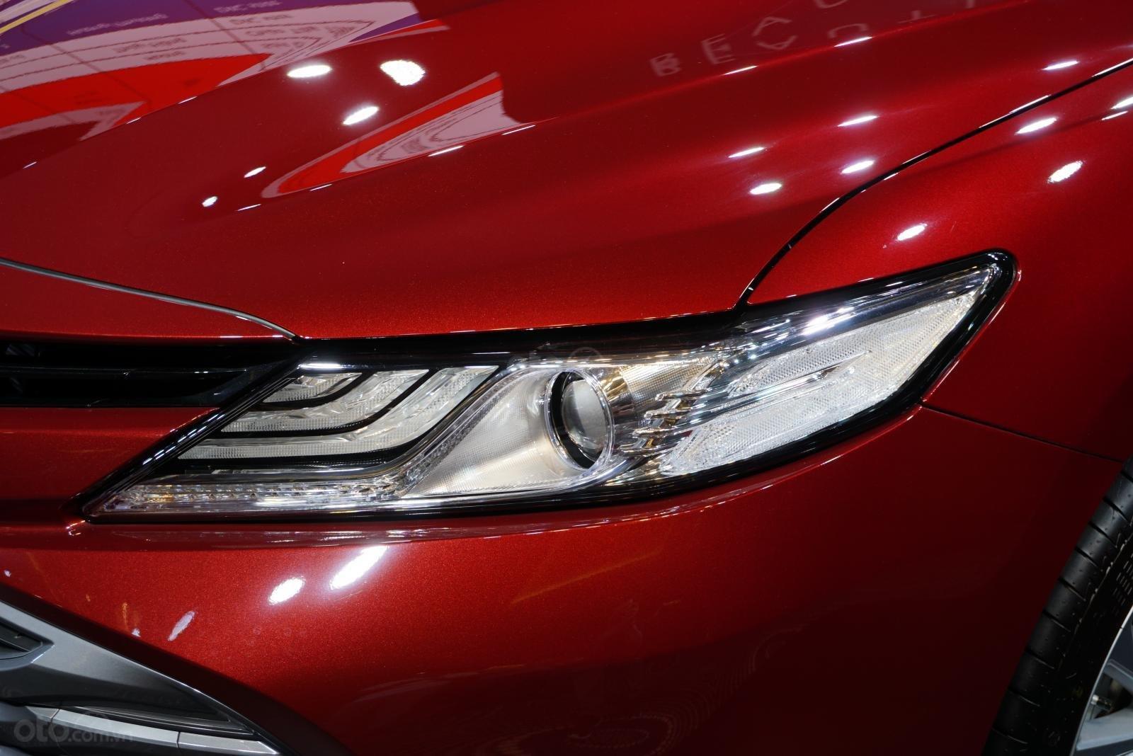 Toyota Camry 2019 chính thức ra mắt, vẫn chưa có giá niêm yết a3