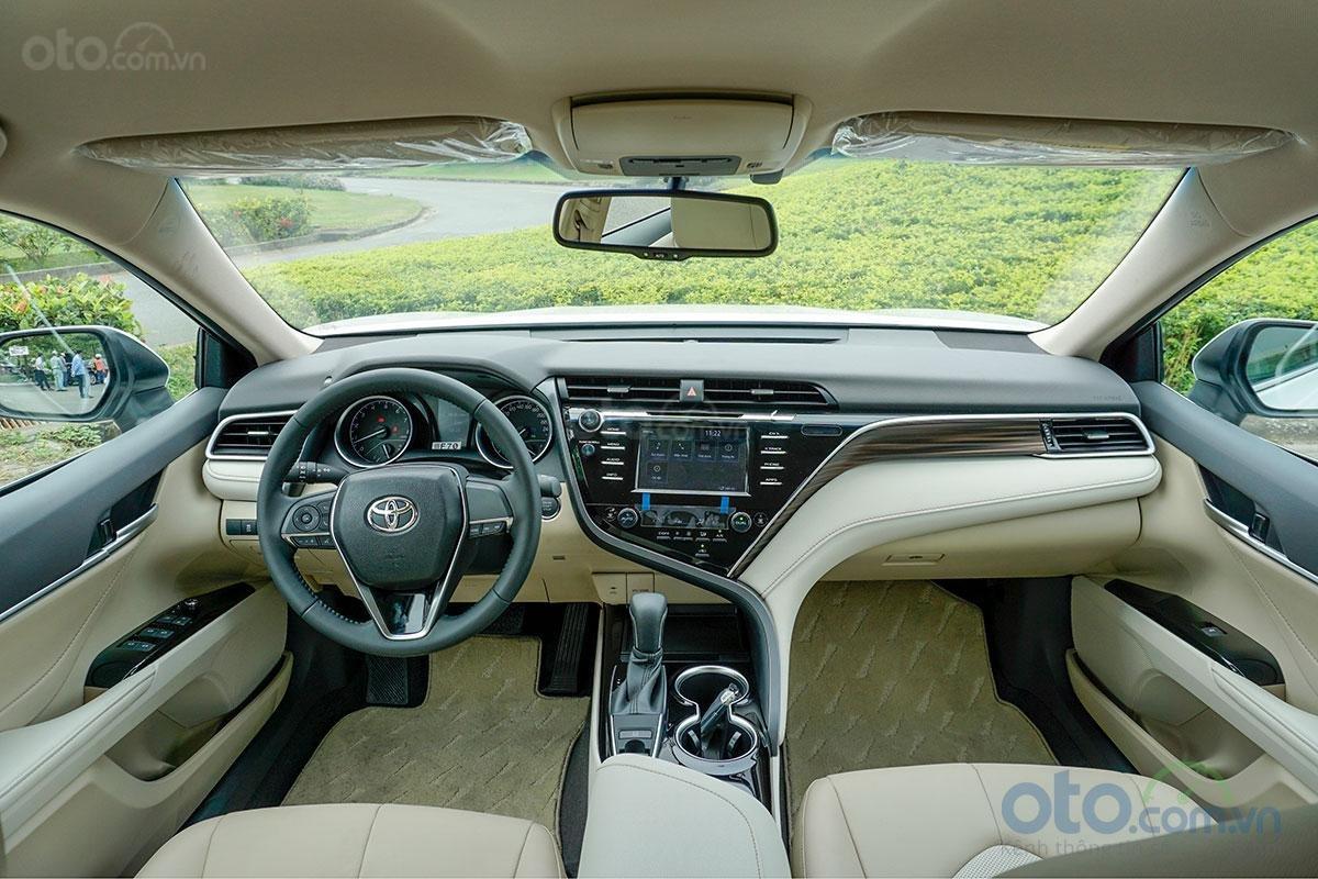 Cabin Toyota Camry 2.0G 2019...