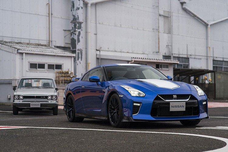 Chính thức ra mắt Nissan GT-R bản đặc biệt kỷ niệm 50 năm gia nhập thị trường Mỹ 2a