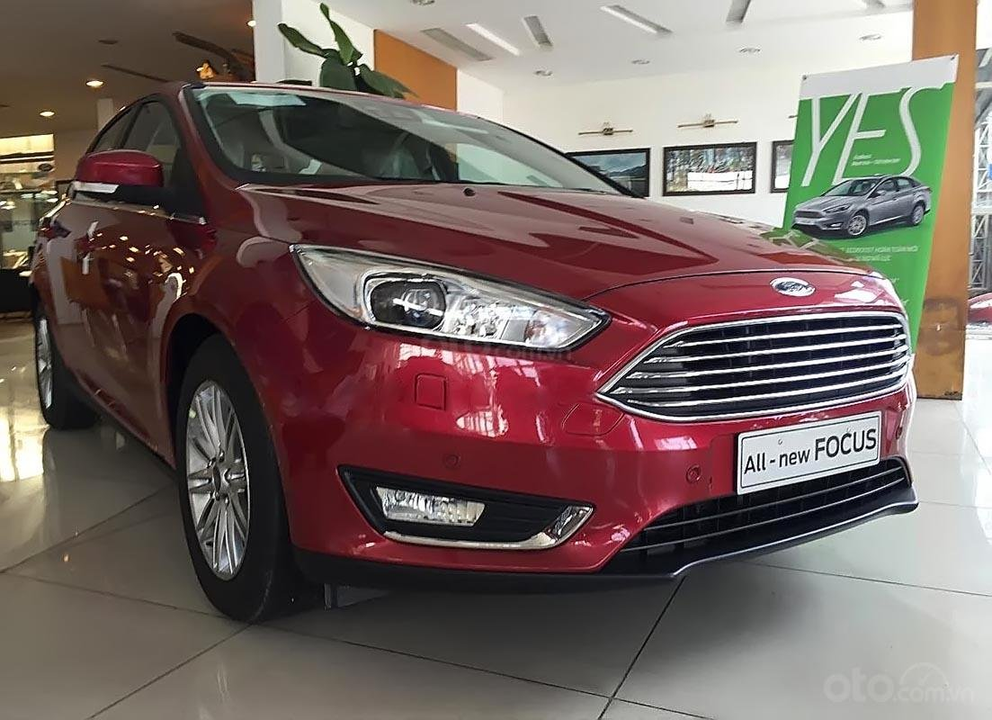 Cần bán xe Ford Focus Trend 1.5L 2019, màu đỏ-1