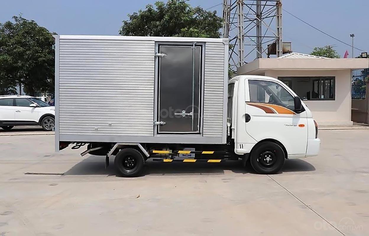 Bán Hyundai Porter H150 sản xuất 2019, màu trắng, 365 triệu (2)