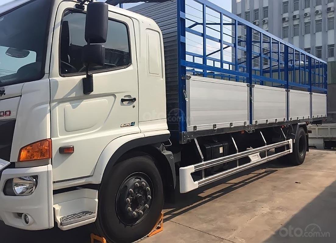 Bán xe tải Hino 500 Serie Euro4 (2019), màu trắng, máy dầu, số tay-1