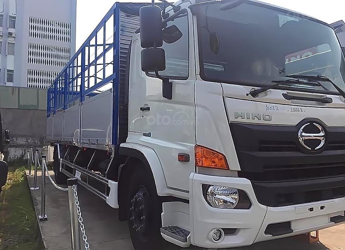 Bán xe tải Hino 500 Serie Euro4 (2019), màu trắng, máy dầu, số tay-0