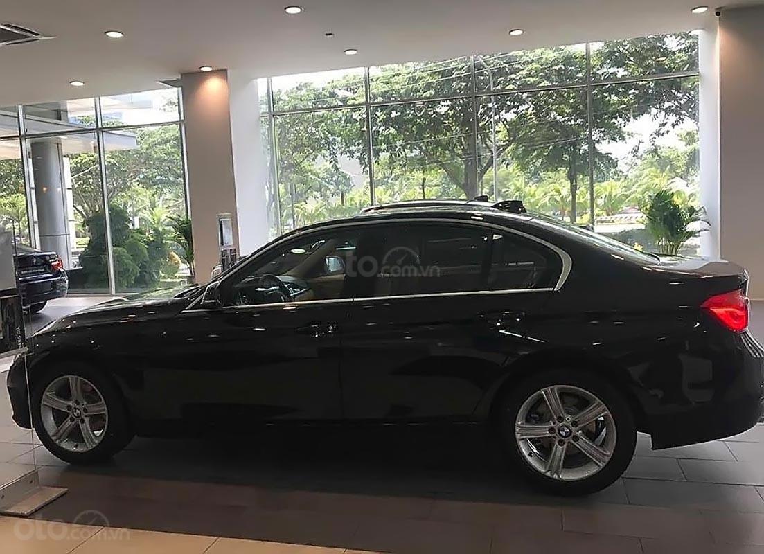 BMW Phú Mỹ Hưng bán BMW 320i, dòng xe Sedan, nhập khẩu từ Đức-0