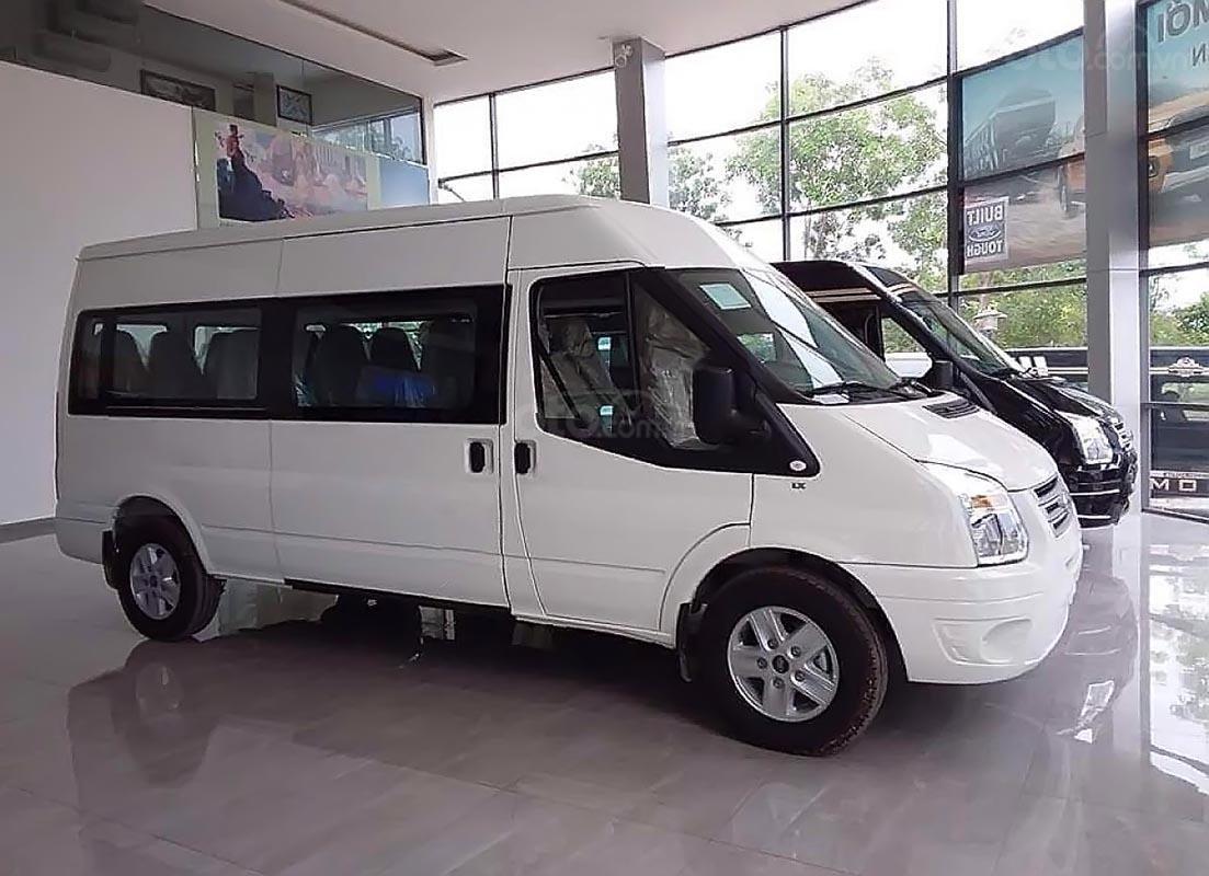 Bán ô tô Ford Transit SVP năm sản xuất 2019, màu trắng, giá ưu đãi nhất miền Nam  -0