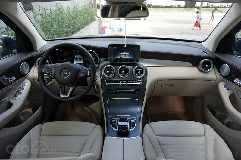 Bán Mercedes-Benz GLC 300 2019 mới 100% KM khủng lh_ 0989.686.948-4