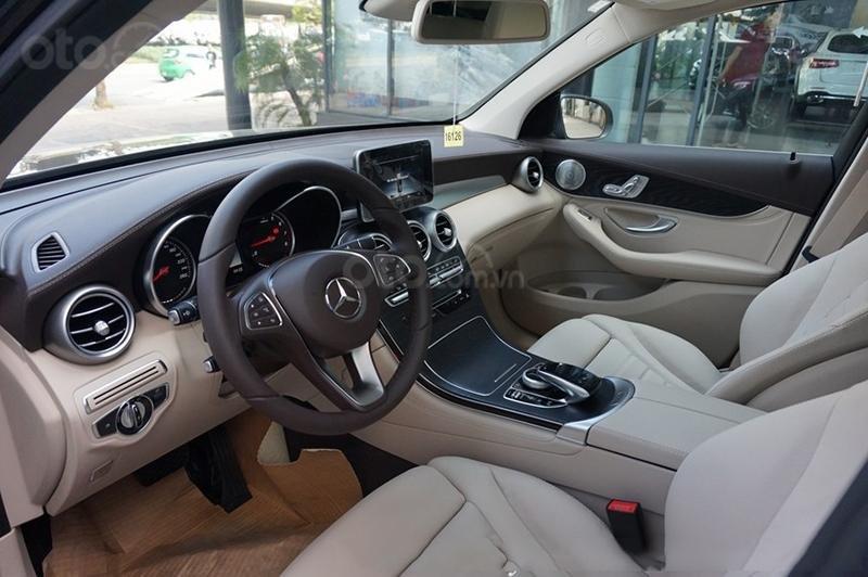 Bán Mercedes-Benz GLC 300 2019 mới 100% KM khủng lh_ 0989.686.948-5