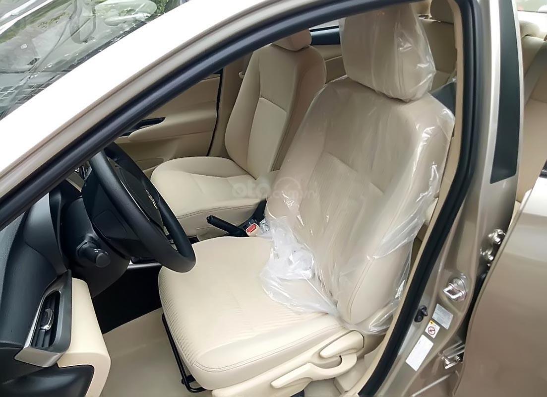 Bán Toyota Yaris 1.5G năm sản xuất 2019, màu trắng, xe nhập-2
