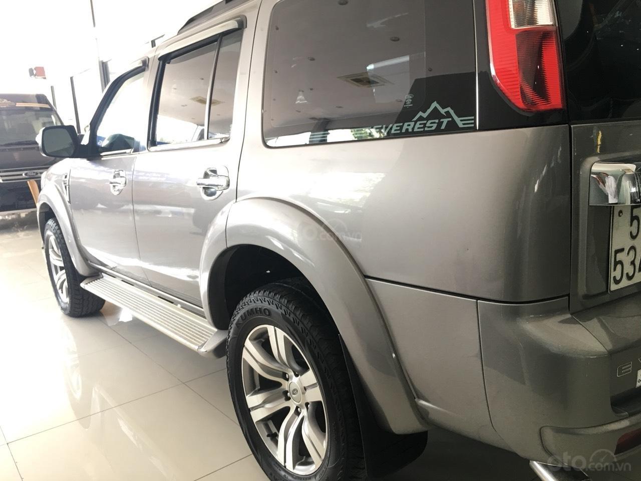 Cần bán xe Ford Everest Limited năm sản xuất 2011, màu xám (ghi)-3