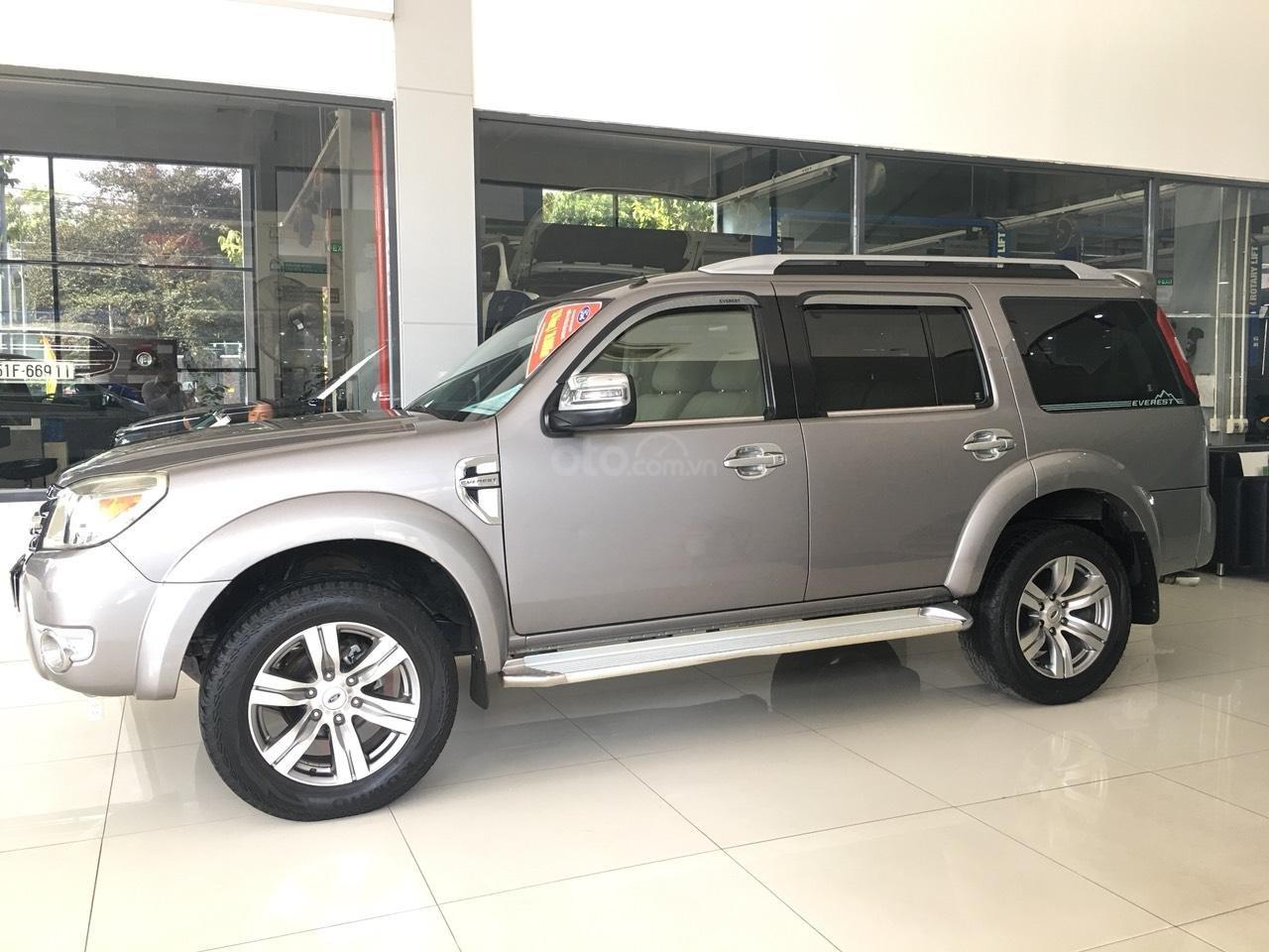 Cần bán xe Ford Everest Limited năm sản xuất 2011, màu xám (ghi)-0