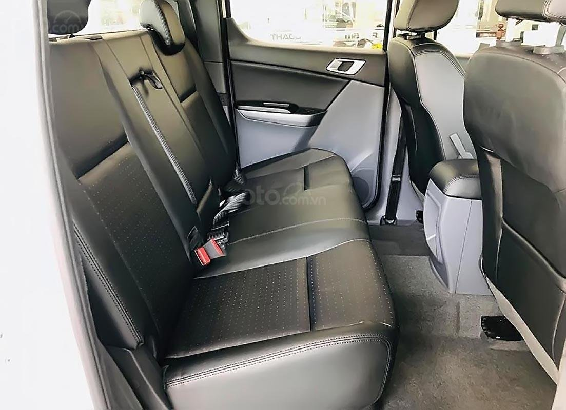 Bán xe Mazda BT 50 2.2L 4x2 ATH sản xuất 2018, màu trắng, mới 100% -1