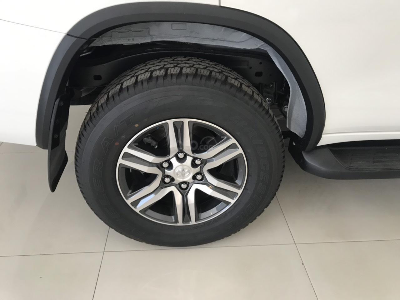 Bán Toyota Fortuner 2.7 AT 2019, màu trắng, xe nhập-1