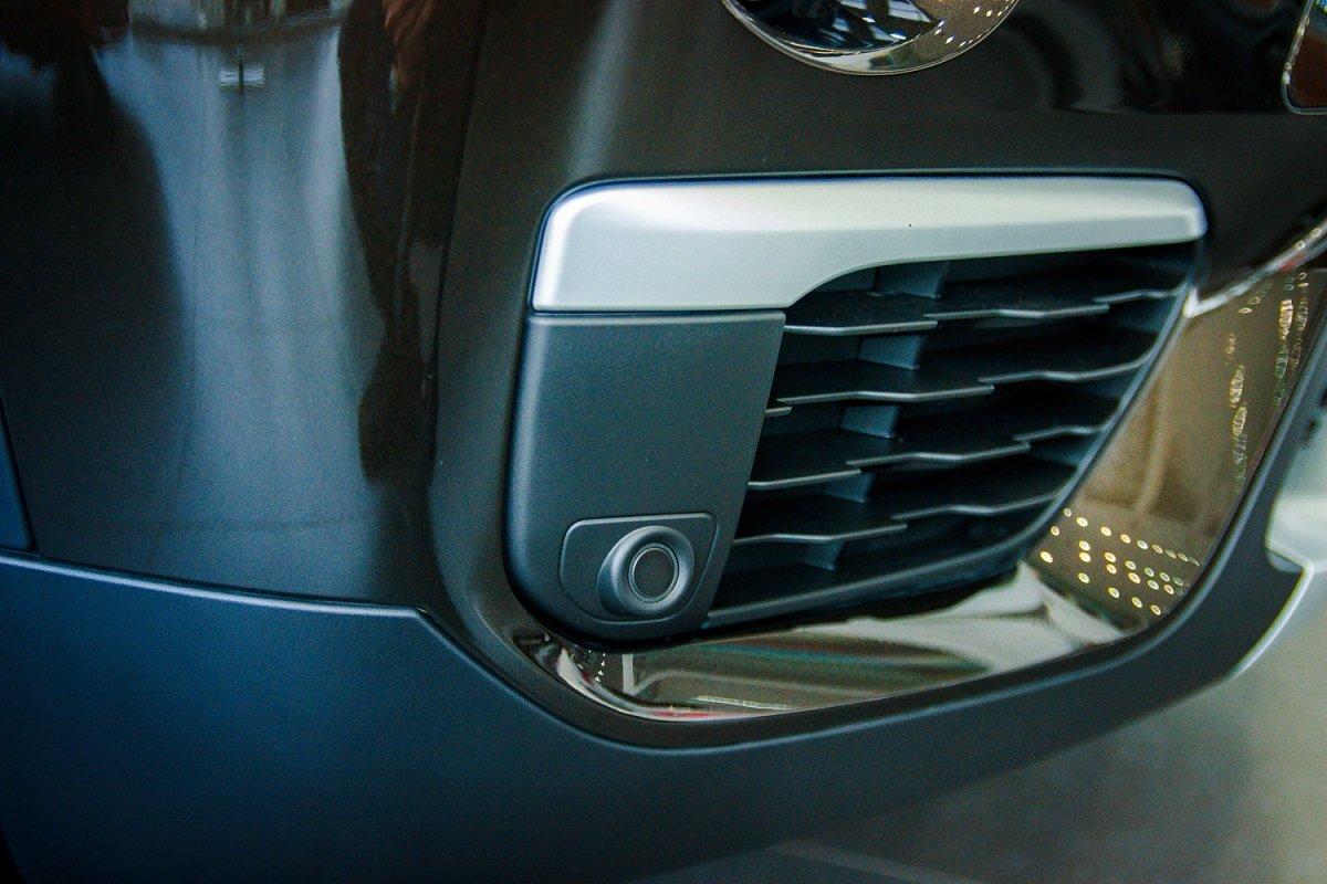 Đánh giá xe BMW X1 2019 về thiết kế đầu xe: Hốc thông gió.