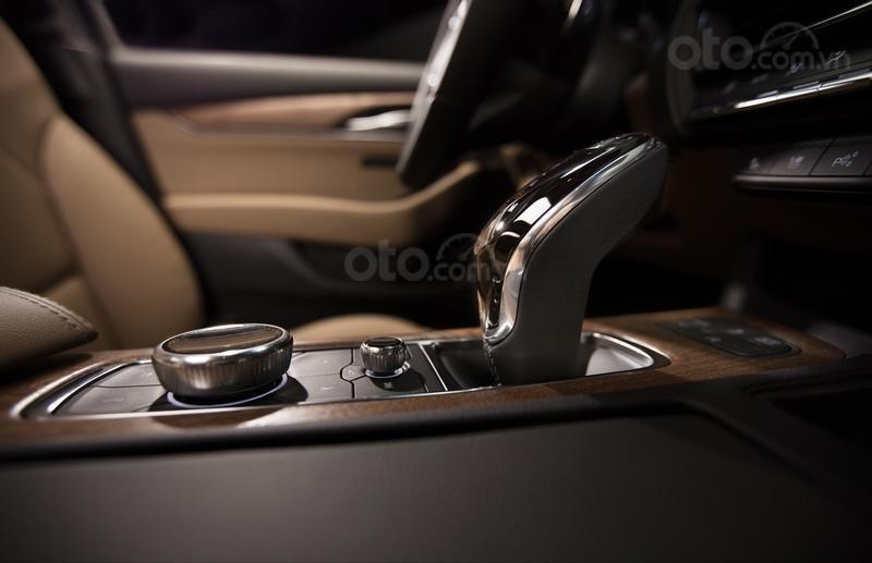 Đánh giá xe Cadillac CT5 2020 - cần số