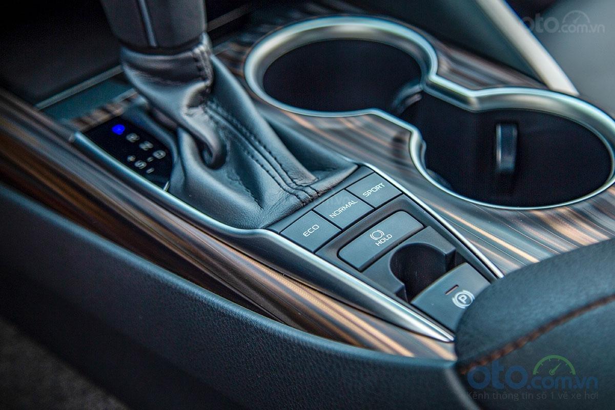 Toyota Camry 2.5Q 2019: Chế độ lái.