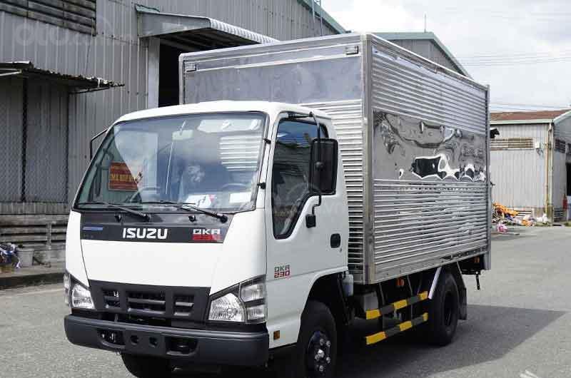 Bán xe tải Isuzu 2t2 thùng kín, xe nhập khẩu mới 100%-0