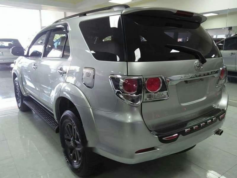 Bán ô tô Toyota Fortuner sản xuất 2016, màu bạc xe gia đình, giá chỉ 895 triệu-4