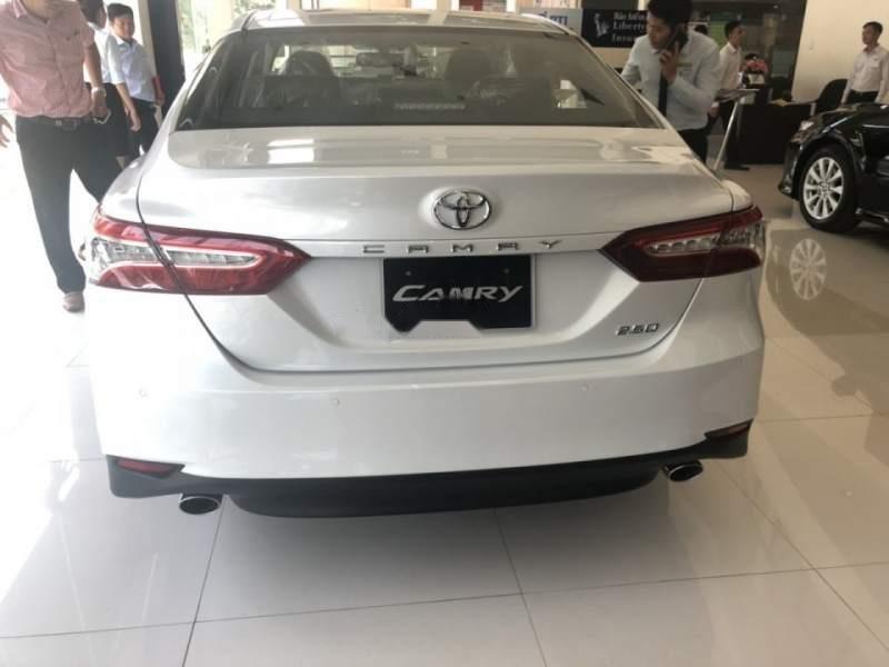 Bán Toyota Camry năm 2019, màu trắng, xe nhập-1
