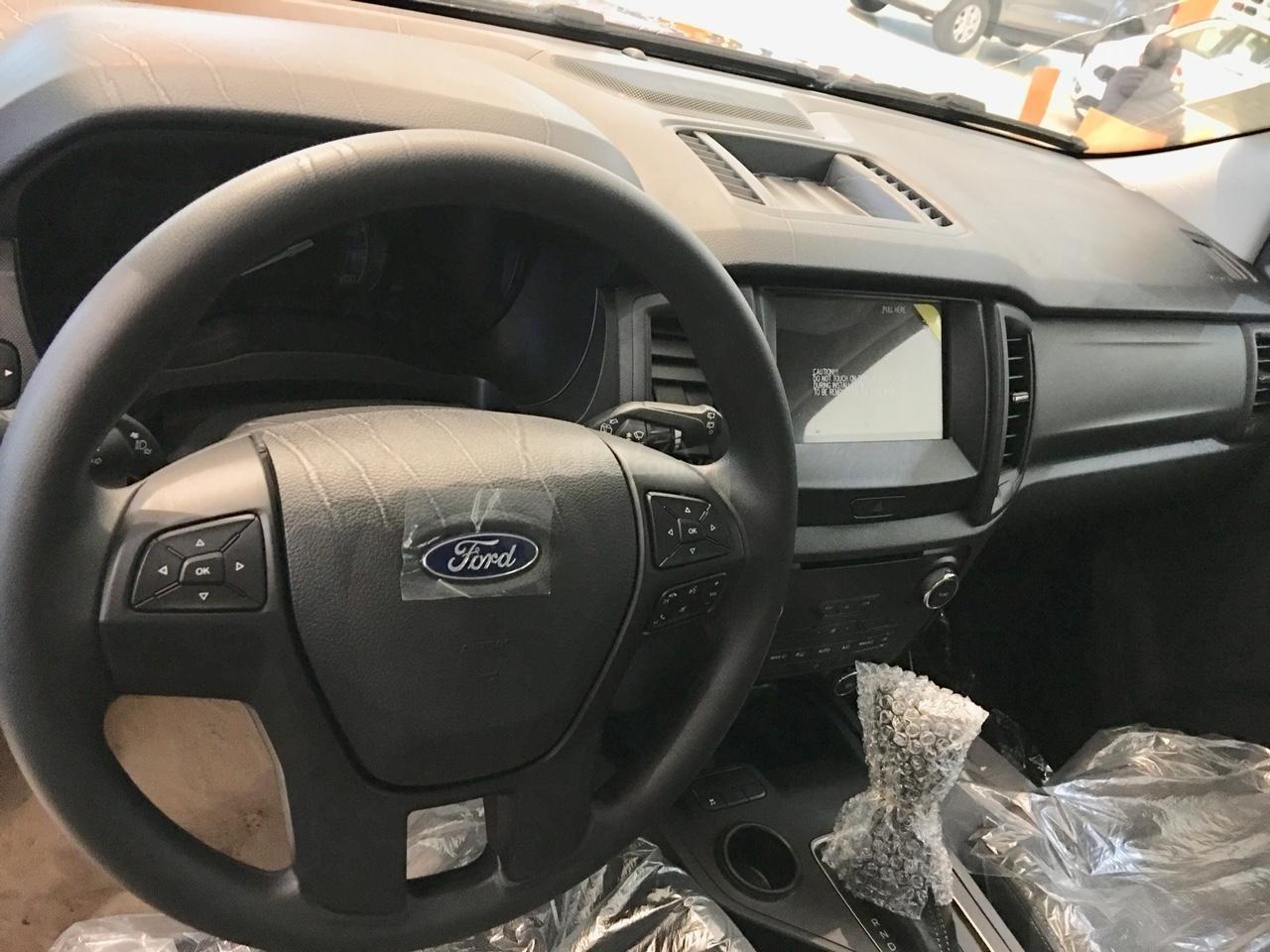 0358548613 - Bán xe Ford Everest Ambient AT số vin 2018 - giá cực sốc - ưu đãi khủng-1