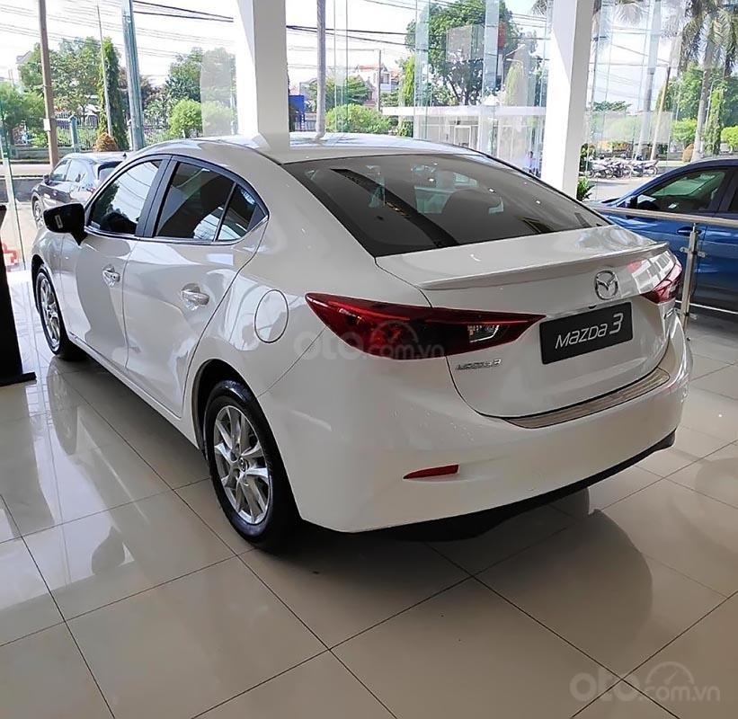 Bán ô tô Mazda 3 1.5 AT đời 2019, màu trắng sang trọng-1