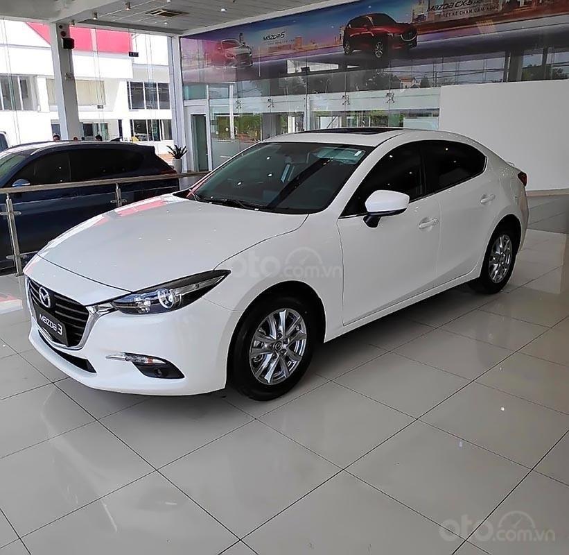 Bán ô tô Mazda 3 1.5 AT đời 2019, màu trắng sang trọng-0