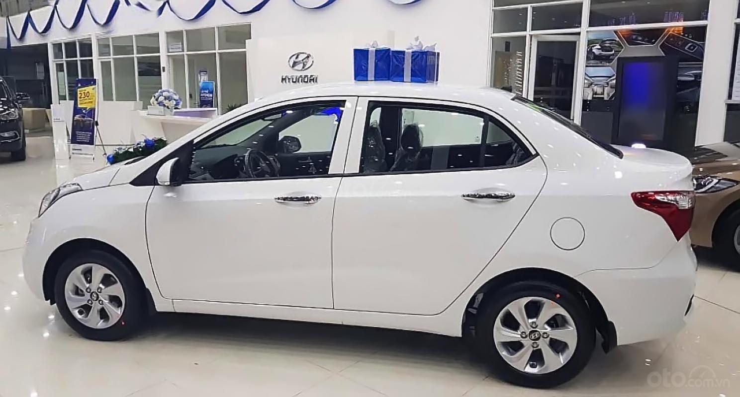 Bán ô tô Hyundai Grand i10 năm sản xuất 2019, màu trắng-0