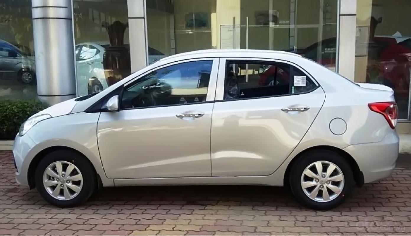 Cần bán xe Hyundai Grand i10 năm 2019, màu bạc  -1